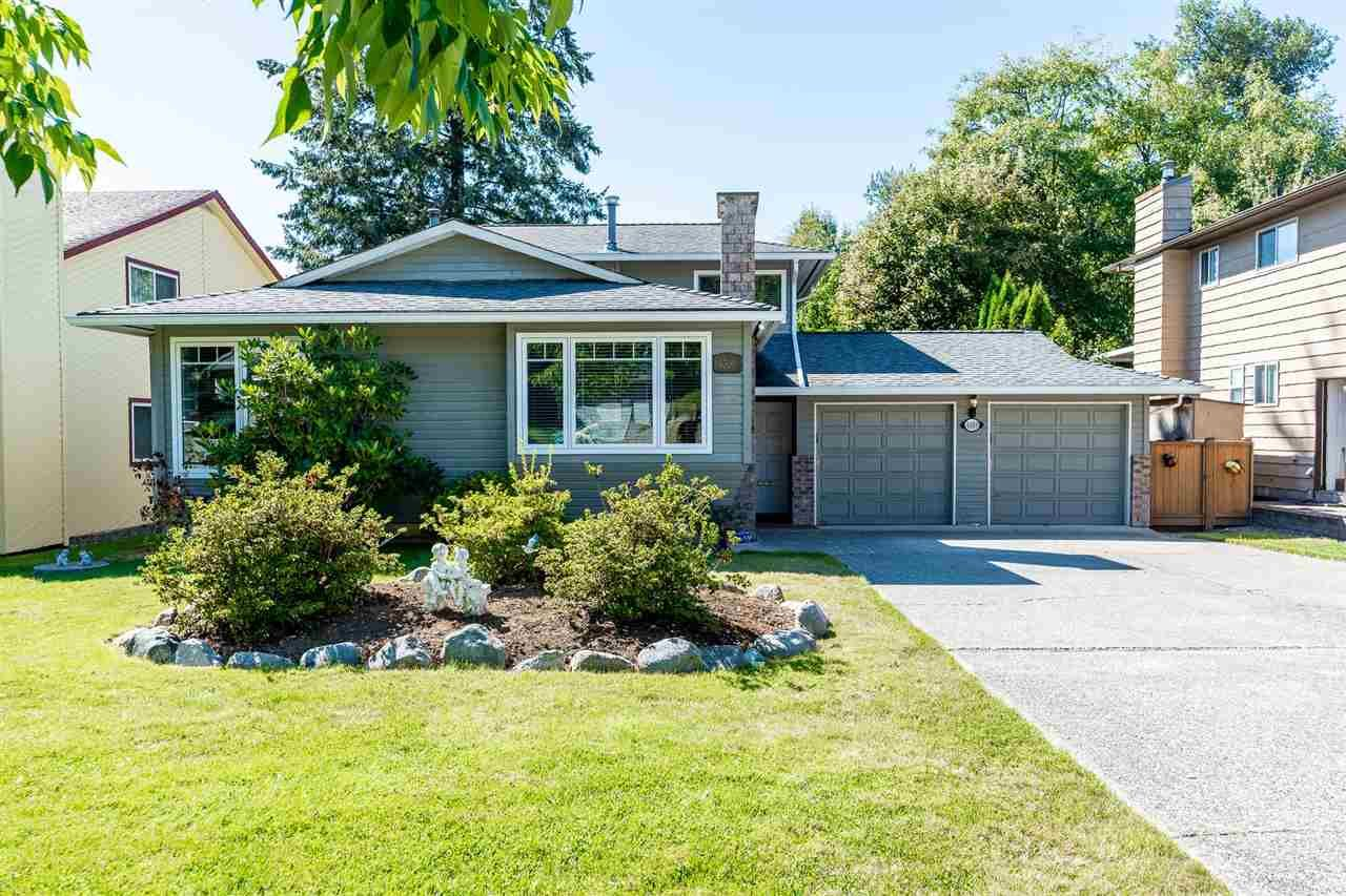 Main Photo: 6309 180A Street in Surrey: Cloverdale BC House for sale (Cloverdale)  : MLS®# R2499272