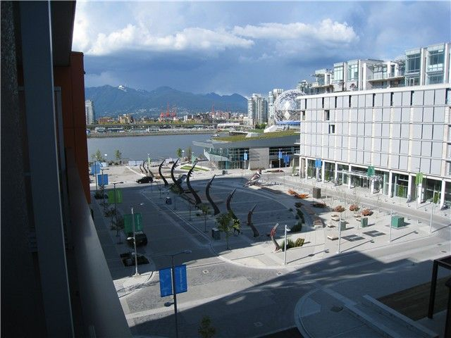 """Main Photo: 605 123 W 1ST Avenue in Vancouver: Mount Pleasant VW Condo for sale in """"MILENIUM WATER FRONT"""" (Vancouver West)  : MLS®# V840177"""