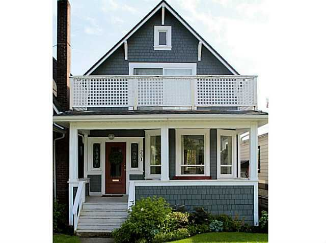 Main Photo: 231 E 4TH ST in North Vancouver: Lower Lonsdale House for sale : MLS®# V1030021