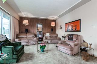 Photo 3: 1801 WOODVALE Avenue in Coquitlam: Central Coquitlam House for sale : MLS®# R2057117