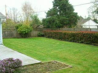 """Photo 2: 1615 MCBRIDE ST in North Vancouver: Norgate House for sale in """"NORGATE"""" : MLS®# V584733"""