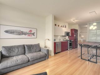 """Photo 7: 209 2250 COMMERCIAL Drive in Vancouver: Grandview VE Condo for sale in """"THE MARQUEE"""" (Vancouver East)  : MLS®# R2253784"""