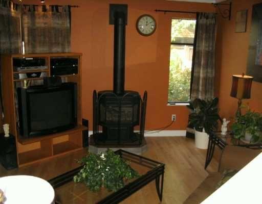 "Photo 3: Photos: 20653 THORNE Ave in Maple Ridge: Southwest Maple Ridge Townhouse for sale in ""THORNEBURY GARDENS"" : MLS®# V616666"