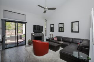 Photo 8: SAN DIEGO Townhouse for sale : 3 bedrooms : 6376 Caminito Del Pastel