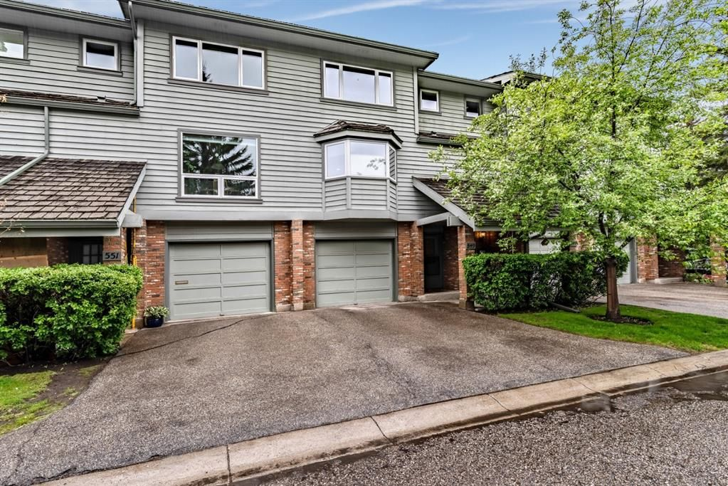 Main Photo: 549 POINT MCKAY Grove NW in Calgary: Point McKay Row/Townhouse for sale : MLS®# A1026968