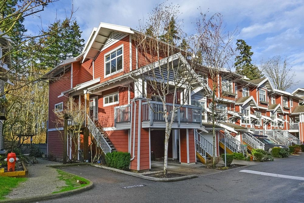 Main Photo: 145 15168 36 AVENUE in South Surrey White Rock: Home for sale : MLS®# R2325399