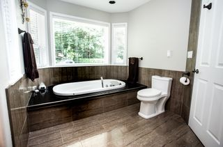 Photo 22: 35849 Regal Parkway in Abbotsford: Abbotsford East House for sale : MLS®# R2473025