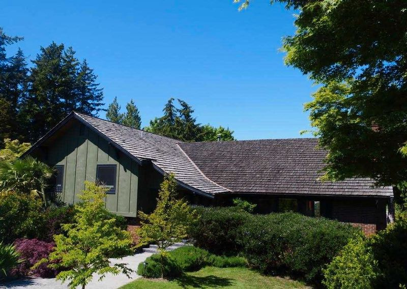 FEATURED LISTING: 5615 GREENLAND Drive Delta