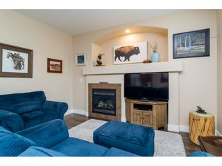 """Photo 13: 19074 69A Avenue in Surrey: Clayton House for sale in """"CLAYTON"""" (Cloverdale)  : MLS®# R2187563"""
