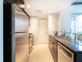 Photo 12: 1106 638 BEACH CRESCENT in Vancouver: Yaletown Condo for sale (Vancouver West)  : MLS®# R2499986