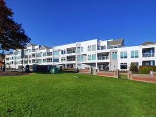 Photo 25: 402 2550 Bevan Ave in : Si Sidney South-East Condo for sale (Sidney)  : MLS®# 860006