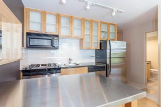 """Photo 2: 603 969 RICHARDS Street in Vancouver: Downtown VW Condo for sale in """"Mondrian"""" (Vancouver West)  : MLS®# R2074580"""
