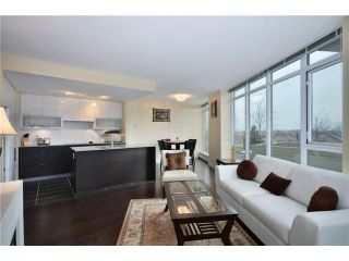 "Photo 2: 402 175 W 2ND Street in North Vancouver: Lower Lonsdale Condo for sale in ""VENTANA"" : MLS®# V933531"