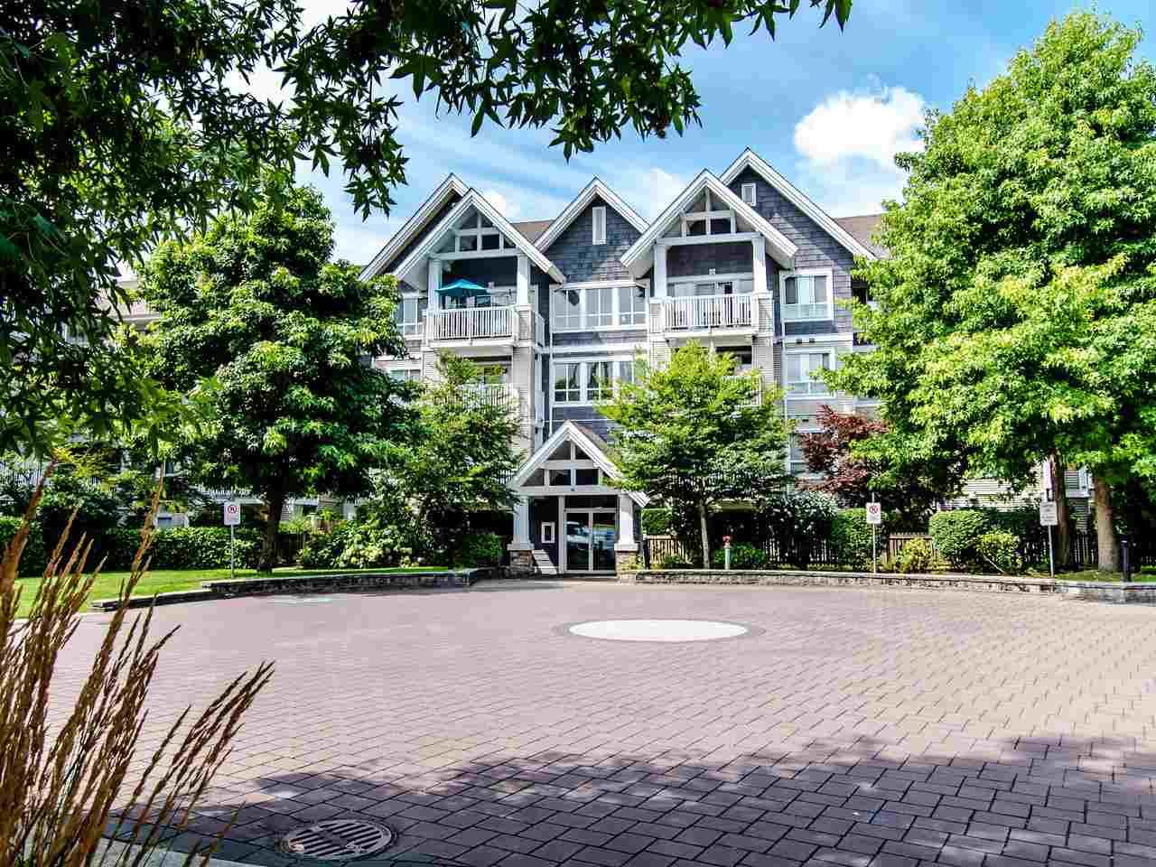 Main Photo: 415 20750 DUNCAN WAY in Langley: Langley City Condo for sale : MLS®# R2485777