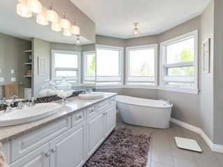 Photo 29: 123 SIGNATURE Terrace SW in Calgary: Signal Hill Detached for sale : MLS®# C4303183