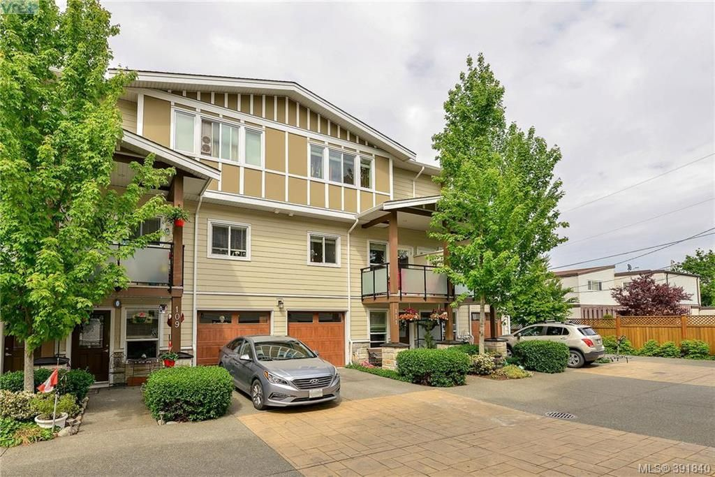Main Photo: 111 2889 Carlow Rd in VICTORIA: La Langford Proper Row/Townhouse for sale (Langford)  : MLS®# 787688