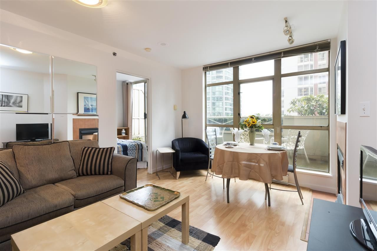 Main Photo: 405 819 HAMILTON Street in Vancouver: Downtown VW Condo for sale (Vancouver West)  : MLS®# R2253213