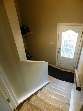 Photo 3: 196 MILLBOURNE Road E in Edmonton: Zone 29 House Half Duplex for sale : MLS®# E4246169