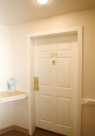 Photo 3: 323 305 1 Avenue NW: Airdrie Apartment for sale : MLS®# C4244231