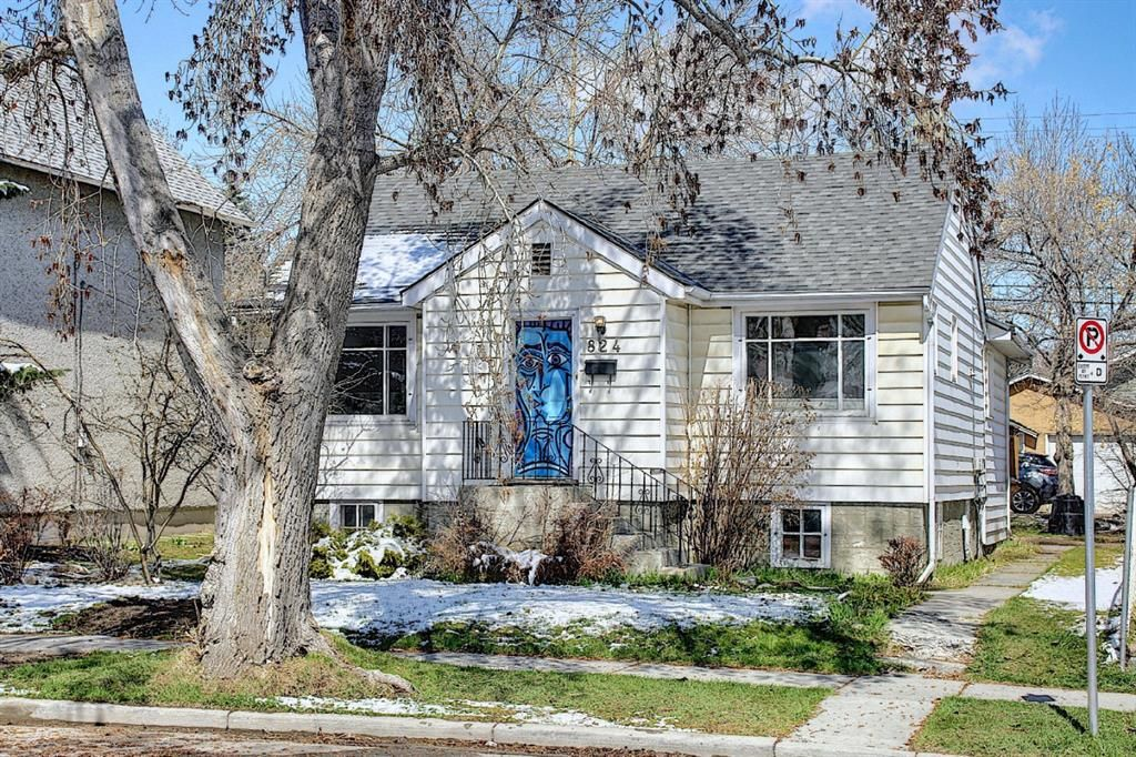 Main Photo: 824 23 Avenue SE in Calgary: Ramsay Detached for sale : MLS®# A1099011