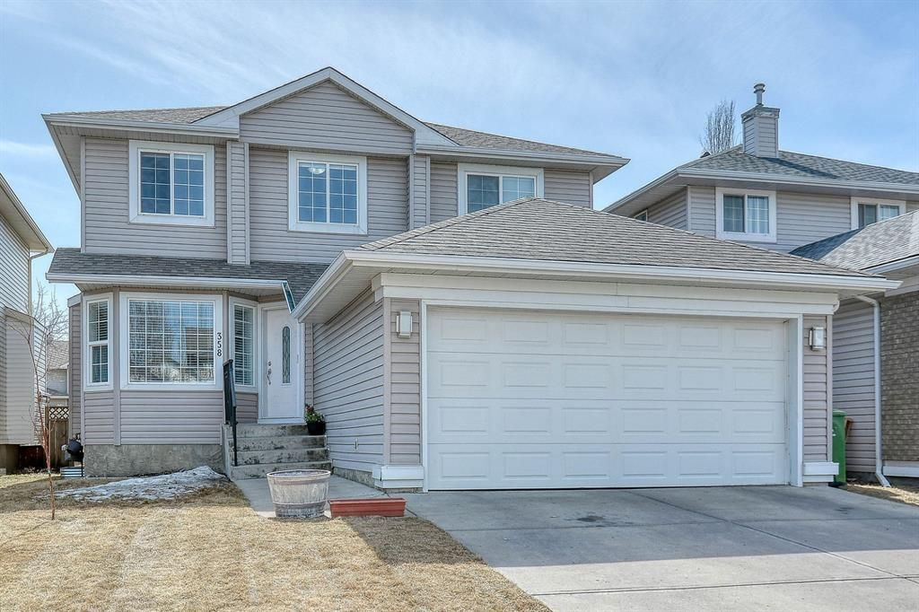 Main Photo: 358 Coventry Circle NE in Calgary: Coventry Hills Detached for sale : MLS®# A1091760