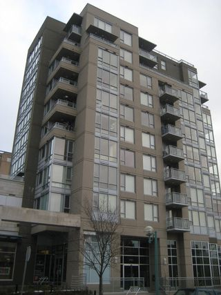 """Photo 1: 206 2483 SPRUCE Street in Vancouver: Fairview VW Condo for sale in """"SKYLINE ON BROADWAY"""" (Vancouver West)  : MLS®# V800976"""