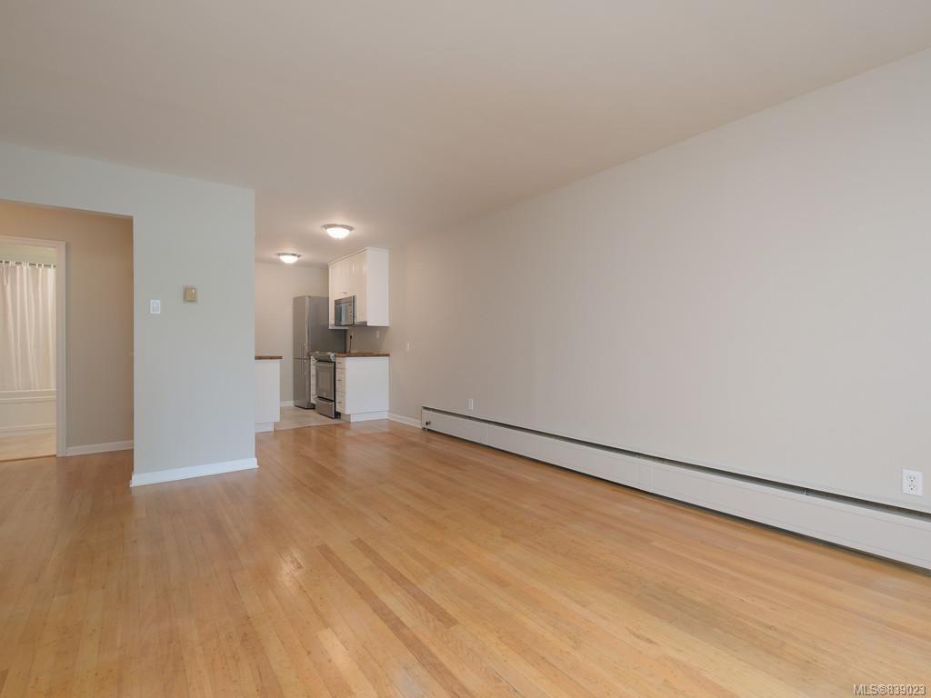 Photo 9: Photos: 203 1400 Newport Ave in Oak Bay: OB South Oak Bay Condo for sale : MLS®# 839023