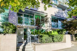 """Main Photo: TH5 188 E ESPLANADE in North Vancouver: Lower Lonsdale Townhouse for sale in """"THE ESPLANADE"""" : MLS®# R2626016"""
