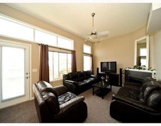 Photo 3: 25 COPPERFIELD Court SE in CALGARY: Copperfield Townhouse for sale (Calgary)  : MLS®# C3383561