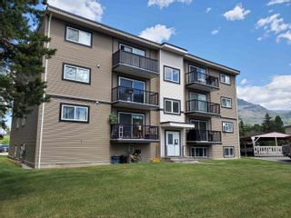 Photo 3: 124 SPRUCE Street in No City Value: Out of Town Multi-Family Commercial for sale : MLS®# C8040519
