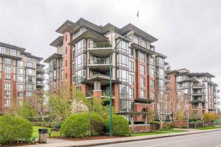 """Photo 1: 204 1580 MARTIN Street in Surrey: White Rock Condo for sale in """"Sussex House"""" (South Surrey White Rock)  : MLS®# R2357775"""
