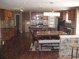 Photo 7: 305 Bonner Avenue in WINNIPEG: North Kildonan Residential for sale (North East Winnipeg)  : MLS®# 1510269