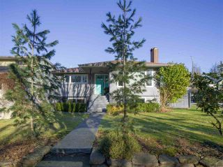 Photo 2: 1991 E 2ND Avenue in Vancouver: Grandview Woodland House for sale (Vancouver East)  : MLS®# R2541258