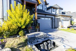 Photo 2: 14929 69A Avenue in Surrey: West Newton House for sale : MLS®# R2497912