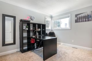 """Photo 24: 15667 101 Avenue in Surrey: Guildford House for sale in """"Somerset"""" (North Surrey)  : MLS®# R2481951"""