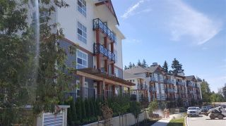 Photo 3: 405 14605 MCDOUGALL DRIVE in Surrey: King George Corridor Condo for sale (South Surrey White Rock)  : MLS®# R2506564