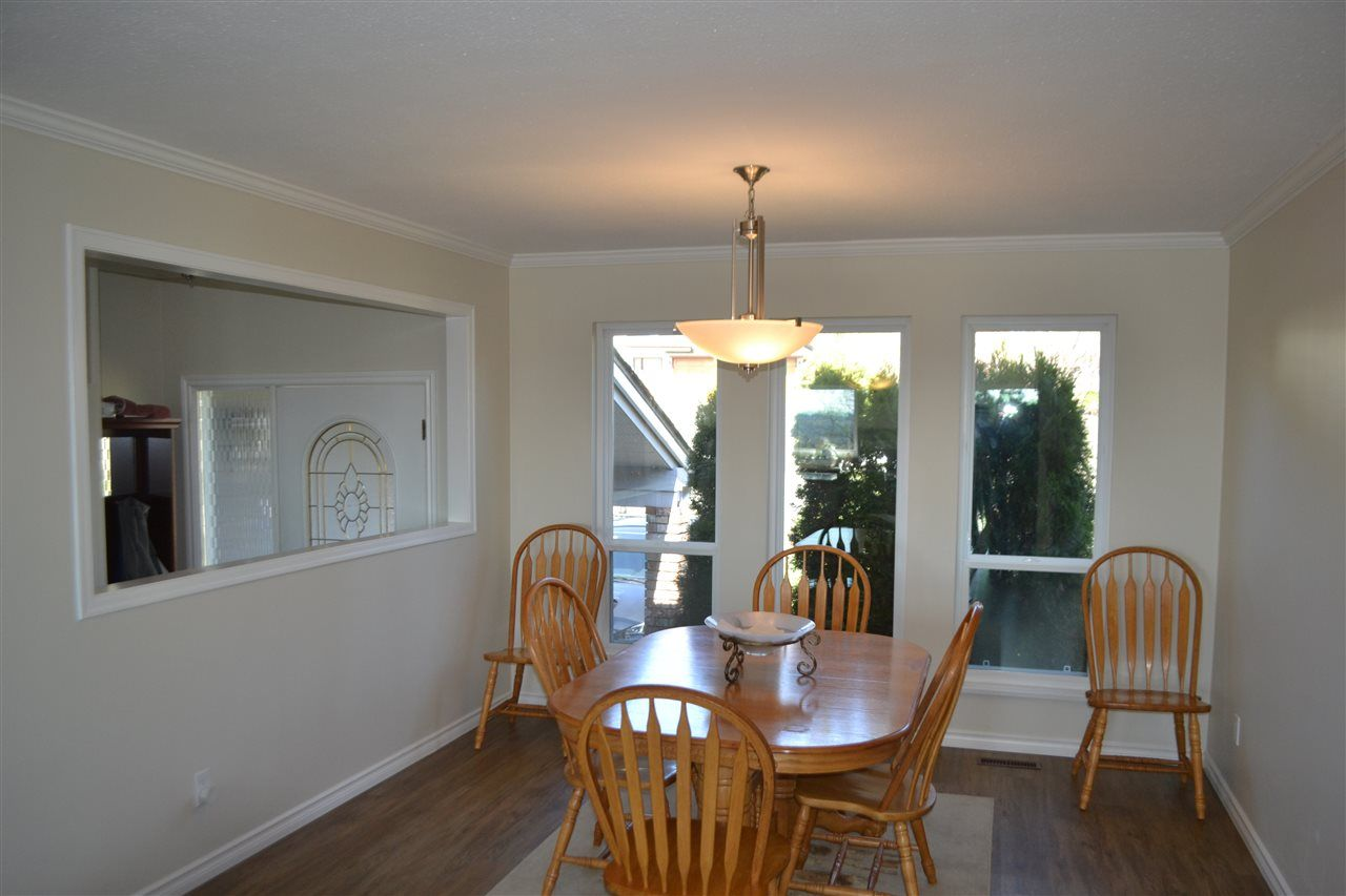 Photo 5: Photos: 455 CARIBOO Crescent in Coquitlam: Coquitlam East House for sale : MLS®# R2566684