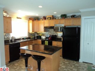 """Photo 4: 15 6450 BLACKWOOD Lane in Sardis: Sardis West Vedder Rd Townhouse for sale in """"THE MAPLES"""" : MLS®# H1201486"""