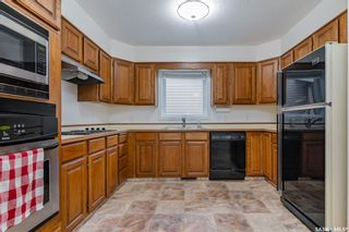 Photo 8: 122 Gustin Crescent in Saskatoon: Silverwood Heights Residential for sale : MLS®# SK862701