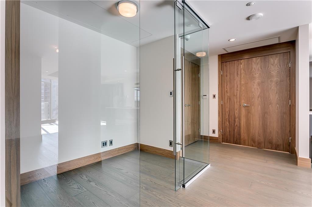 Photo 11: Photos: 607 738 1 Avenue SW in Calgary: Eau Claire Apartment for sale : MLS®# C4272230