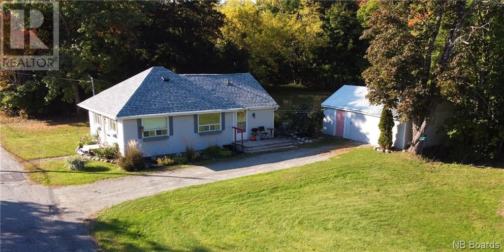 Main Photo: 11 Parkwood in St. Stephen: House for sale : MLS®# NB064546