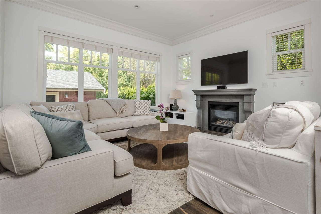 """Photo 2: Photos: 3175 YUKON Street in Vancouver: Mount Pleasant VW 1/2 Duplex for sale in """"Heritage at Cambie Village"""" (Vancouver West)  : MLS®# R2189433"""