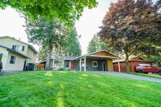 "Photo 19: 5901 ABERDEEN Street in Surrey: Cloverdale BC House for sale in ""Jersey Hills"" (Cloverdale)  : MLS®# R2383785"