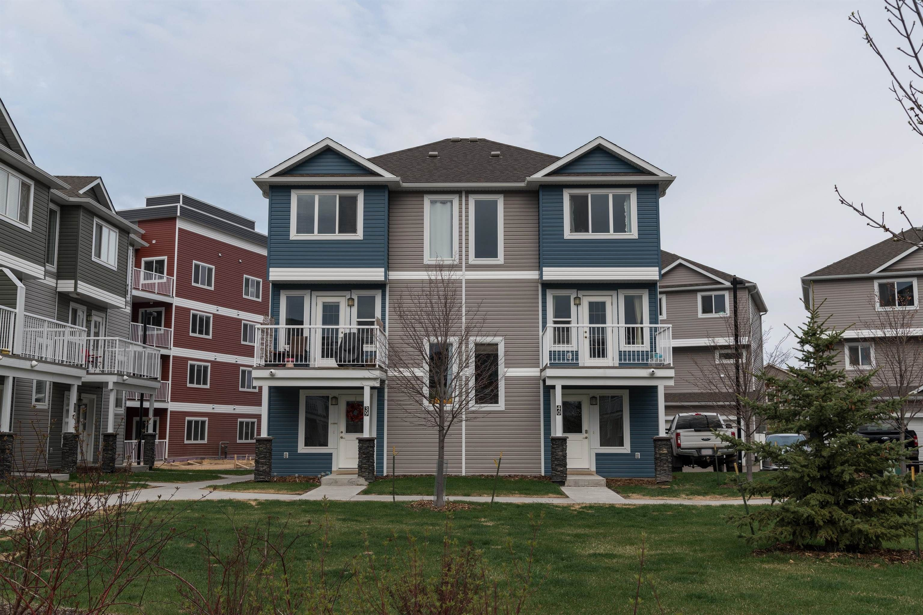Main Photo: 40 1816 RUTHERFORD Road in Edmonton: Zone 55 Townhouse for sale : MLS®# E4259832