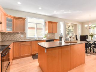 Photo 3: 3392 PLATEAU Boulevard in Coquitlam: Westwood Plateau House for sale : MLS®# R2093003