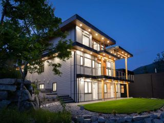Photo 36: 2204 WINDSAIL PLACE in Squamish: Plateau House for sale : MLS®# R2464154