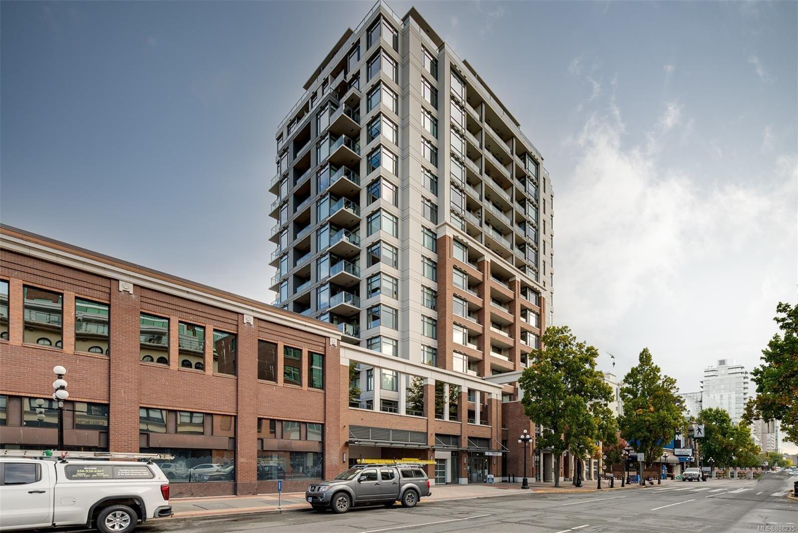 Main Photo: 401 728 Yates St in : Vi Downtown Condo for sale (Victoria)  : MLS®# 888235
