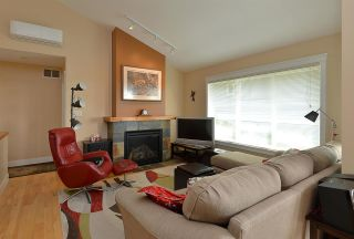 "Photo 7: 19 728 GIBSONS Way in Gibsons: Gibsons & Area Condo for sale in ""Islandview Lanes"" (Sunshine Coast)  : MLS®# R2529142"