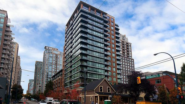 Main Photo: #106 - 1088 Richards St, in Vancouver: Yaletown Condo for sale (Vancouver West)  : MLS®# V1055944
