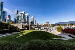 """Photo 31: 403 1288 ALBERNI Street in Vancouver: West End VW Condo for sale in """"THE PALISADES"""" (Vancouver West)  : MLS®# R2529157"""